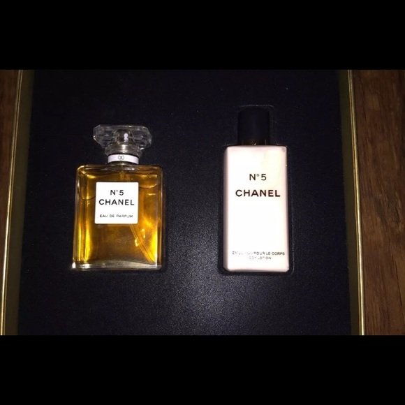 8ab5616e86 CHANEL NO.5 (New in Box) Gift set. NWT